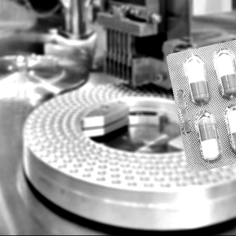 Eigen-supplementenlijn-op-de-markt-brengen-e1621511629693-blackwhite